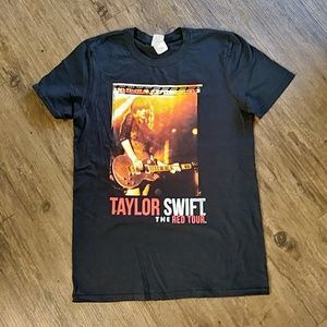 Gildan Taylor Swift The Red Tour Concert T Shirt